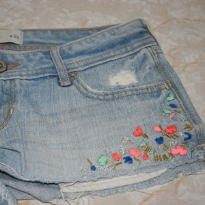 Hollister Sz 0 w24 Denim Shorts Beads Flowers